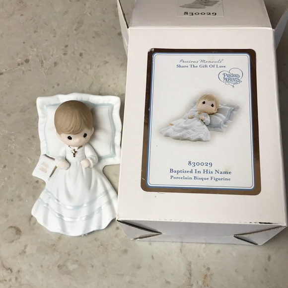 "Precious Moments figurine ""Baptized In His Name"""